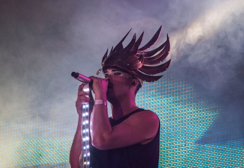 And some fascinating headgear. And in a parallel universe of more reasonable humankind they'd be the ones throwing flames on the Main Stage. I dare anyone to name a song more firework worthy than Alive. I dare you.