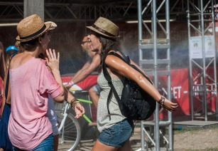 This has been one of the hottest Szigets ever, if not the hottest. Made the Brits think a bit about what they call a heatwave.