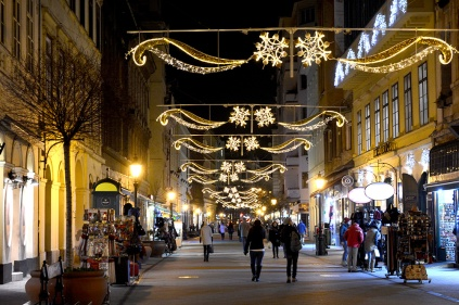 Christmas lights on Váci street