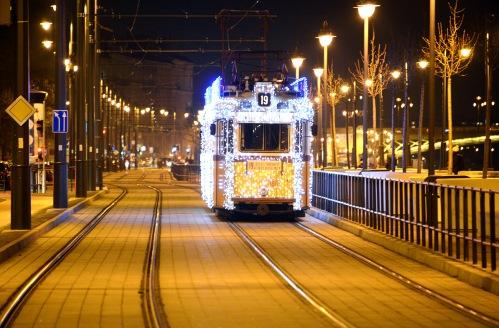 Christmas tram on Batthányi square