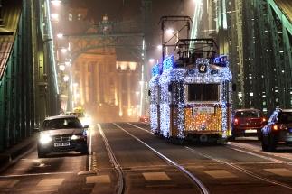 Christmas tram on Freedom Bridge
