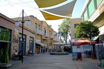 Border crossing on Ledra street