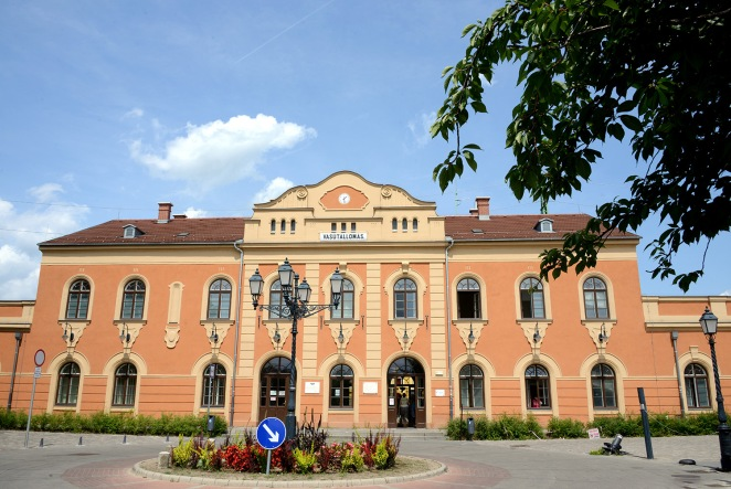 Vác- The central train station