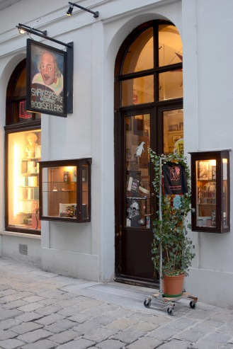 Vienna- Shakespeare and Company bookstore