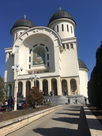 The rather cumbersome new cathedral in Arad