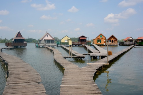 Floating village of Bokod