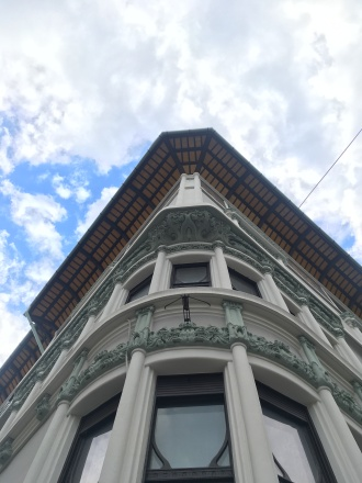 Random building details
