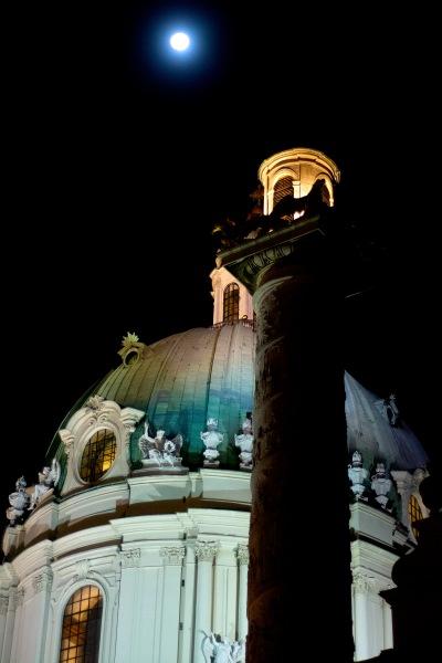 Vienna- Karlskirche with supermoon
